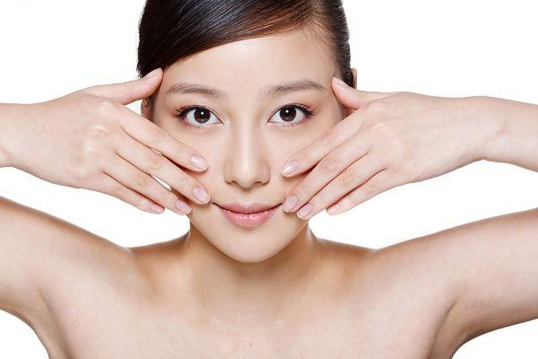 Chọn phấn trang điểm dành cho da nhờn