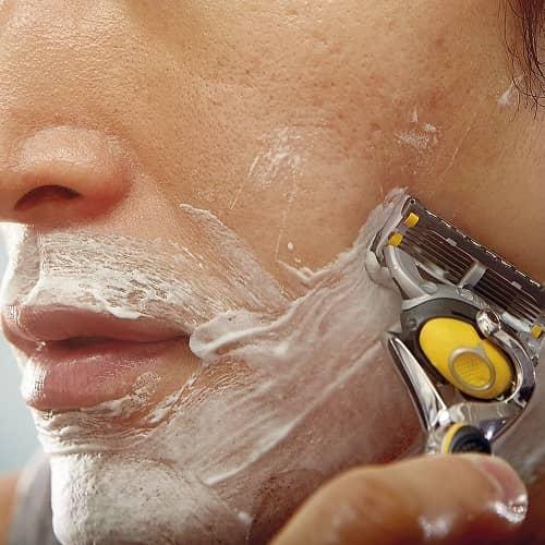 dao cạo râu Gillette